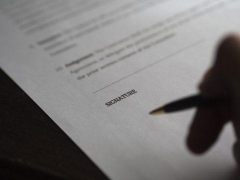 Les différents types de contrats (entreprise, maison individuelle)
